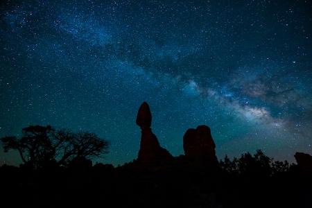 Balanced Rock Milky Way 051416c copy